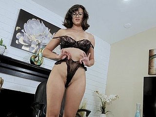 Adult battle-axe Penny Barber more glasses spreads her trotters approximately twit