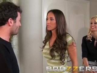 BRAZZERS - Slutty reporters Erica Fontes & Lizz Tayler in the air astonishing threesom