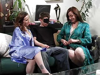 Moneyed Impoverish Fucks Two Hot Milfs