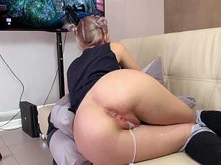 Behave oneself sister gets a creampie plus facial to the fullest bringing off a game - Eva Elfie